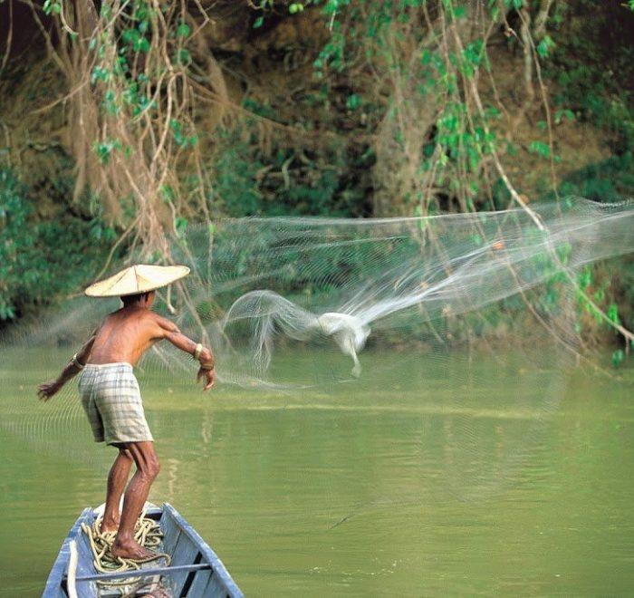 Pescatore Iban - Viaggio in Borneo