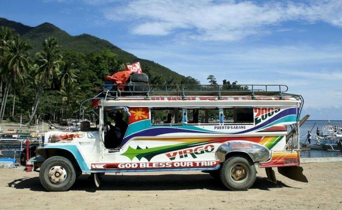 Jeepney Filippine I mezzi di trasporto più bizzarri in Asia