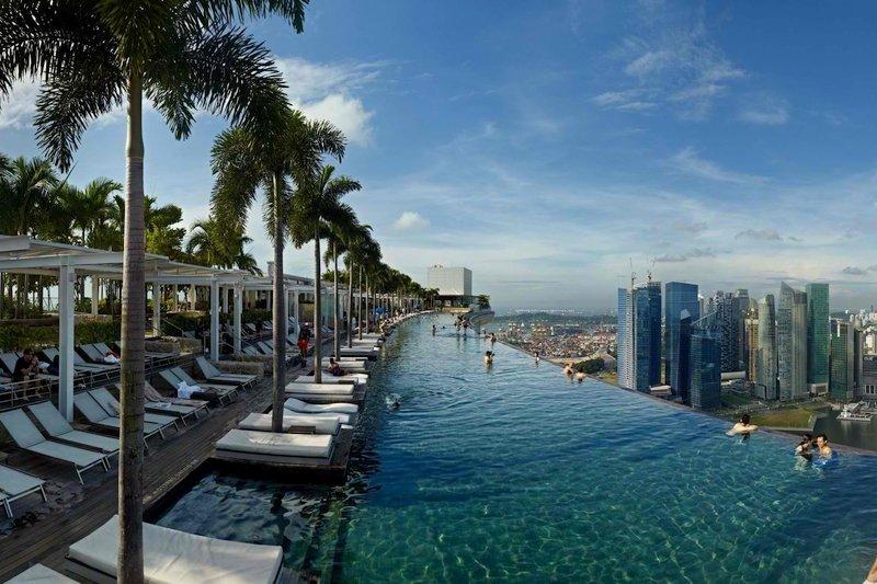 La piscina del marina bay sands naturalis - Singapore hotel piscina ...